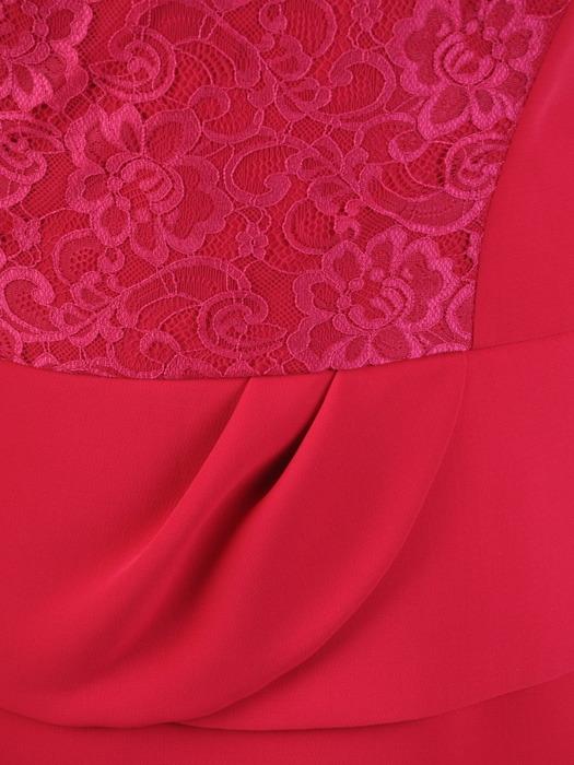 Amarantowa sukienka z marszczoną baskinką i koronkową wstawką 21783