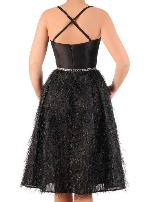 """Atrakcyjna sukienka wieczorowa, mała czarna ozdobiona """"włosem"""" 25121"""