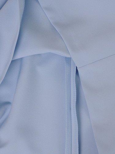 Błękitna sukienka z ozdobną kokardą 15076, kreacja wizytowa w modnym fasonie.
