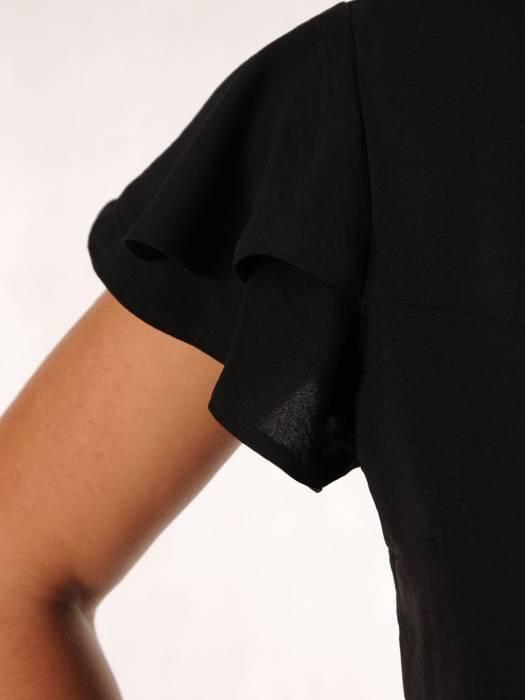 Czarna bluzka z ozdobnym dekoltem 26334