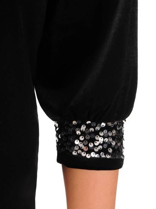 Czarna sukienka wieczorowa, lekko połyskująca kreacja 27518