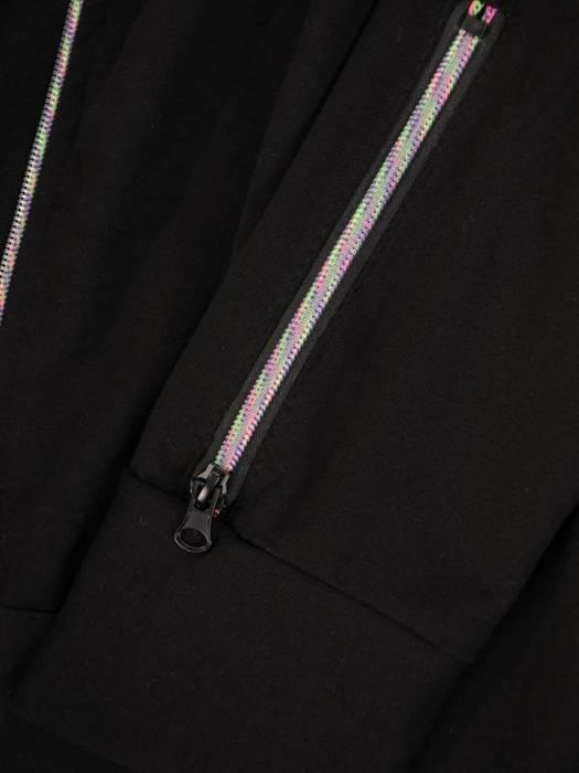 Czarny dres bawełniany z ozdobnymi zamkami 29628