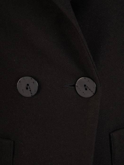 Czarny płaszcz damski z kieszeniami 28728
