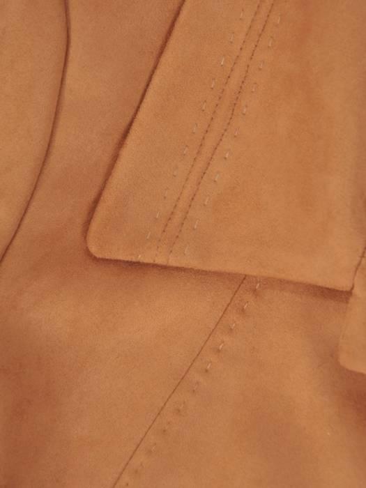 Długi zamszowy płaszcz zapinany na guziki 28507