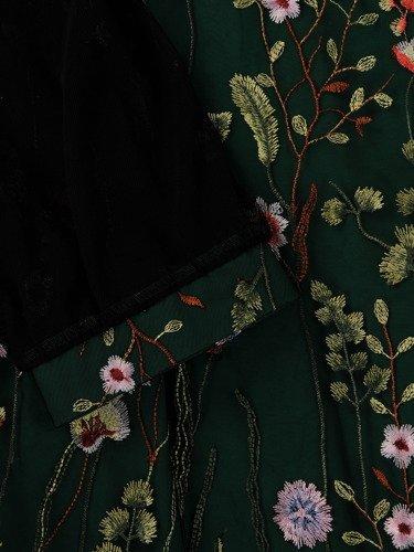Elegancka sukienka z haftowanej gipiury 15218, kreacja z ażurowymi rękawami.