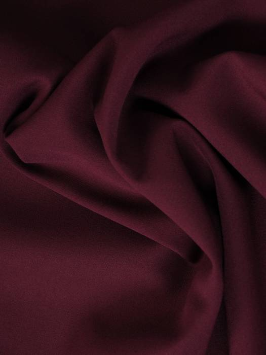 Fioletowa  sukienka z ozdobnie wyciętymi rękawami 27687
