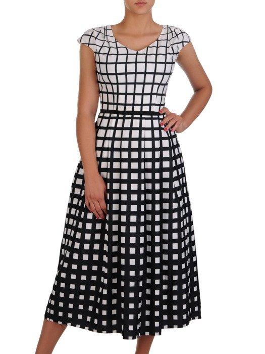 Geometryczna sukienka w wyszczuplającym fasonie 16920