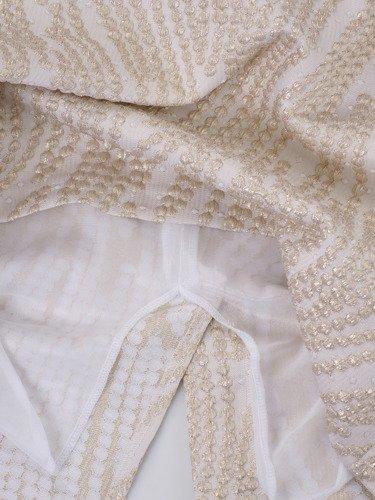 Klasyczna sukienka z jasnego żakardu 14738, elegancka kreacja wieczorowa.