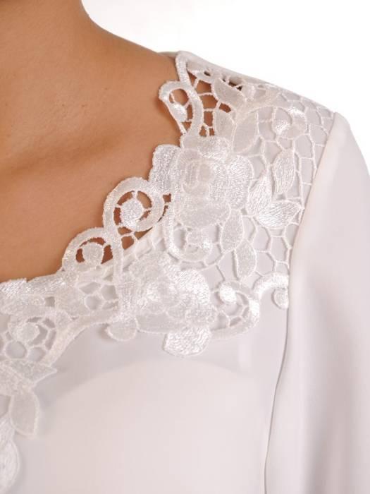 Kobieca wizytowa bluzeczka z koronkowym, ponadczasowym zdobieniem 27938