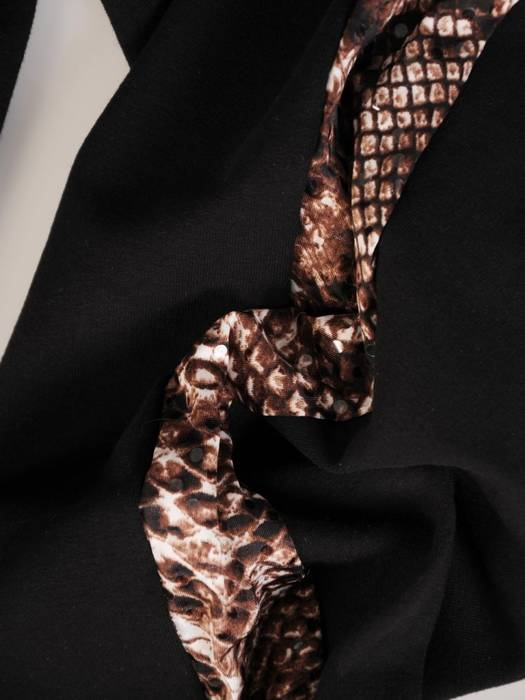 Komplet dresowy ze wstawkami z wężowej skóry 28722