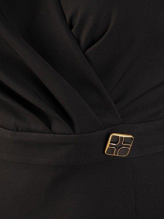 Kopertowa sukienka z tkaniny, kreacja z ozdobnym guzikiem 24294