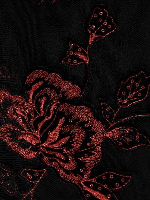 Koronkowa sukienka ozdobiona cekinami 18250, czarna kreacja wieczorowa.