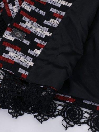 Krótki żakiet z koronkowym zdobieniem Halszka.
