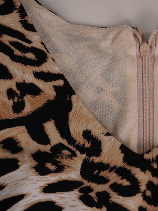 Luźna sukienka w panterkę, elegancka kreacja z ozdobnym wykończeniem 19583
