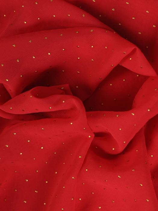 Luźna sukienka z szyfonu, czerwona kreacja zdobiona dżetami 22117.