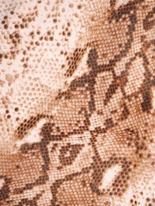 Luźna sukienka z szyfonu, zwiewna kreacja w modny, zwierzęcy wzór 30674