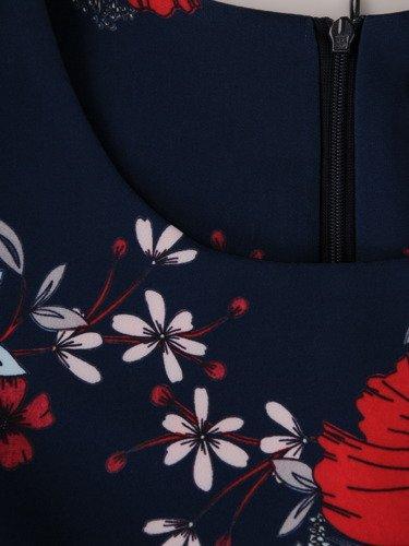 Modna sukienka w duże, kolorowe kwiaty 15449, wiosenna kreacja z krótkimi rękawami.