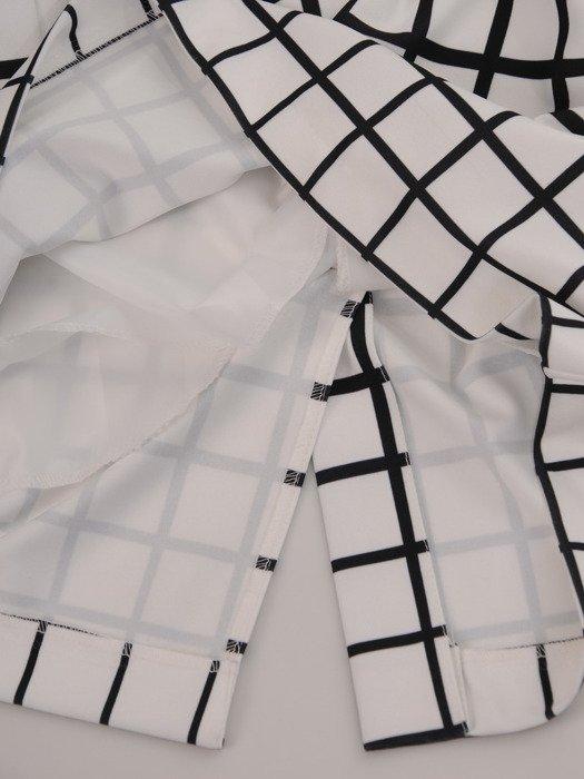 Modna sukienka w geometryczny deseń 16809.