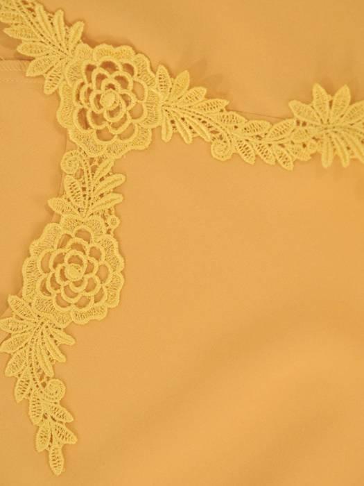 Musztardowa bluzka z koronkowymi aplikacjami 29380
