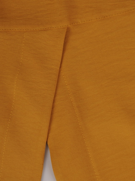 Musztardowa bluzka z podwijanymi rękawami 22267