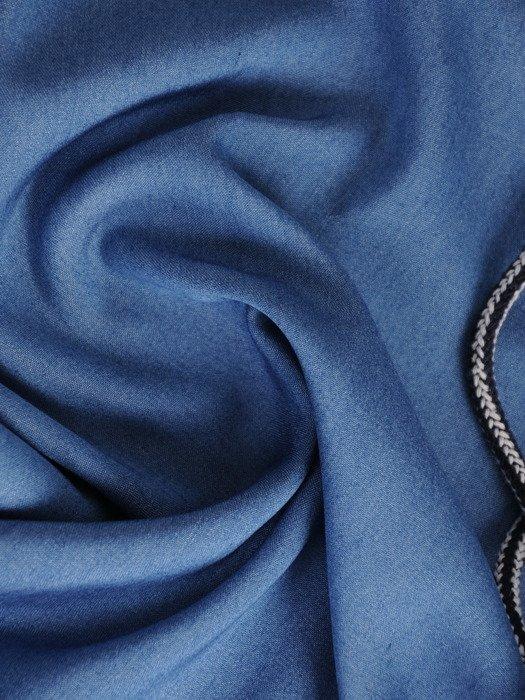 Niebieska bluzka ze sznurowanym dekoltem 16913