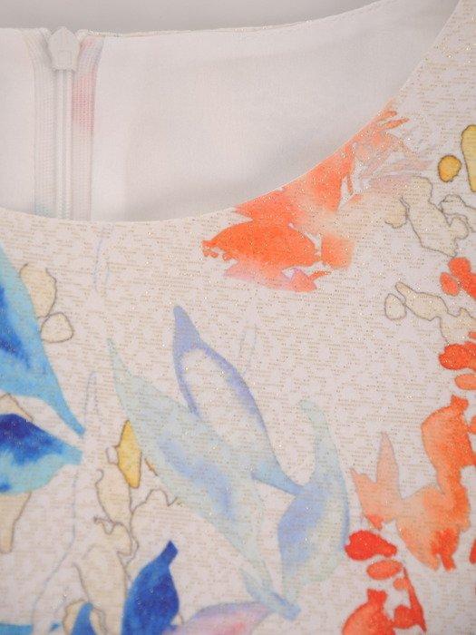 Nowoczesna sukienka w kolorowe kwiaty 17032, wizytowa kreacja z krótkimi rękawami