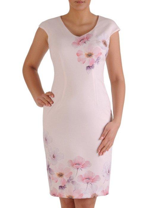 Pastelowa sukienka w kwiaty, wiosenna kreacja w eleganckim fasonie 19988
