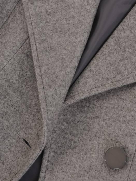 Popielaty płaszcz damski z ozdobnym wiązanie 26976