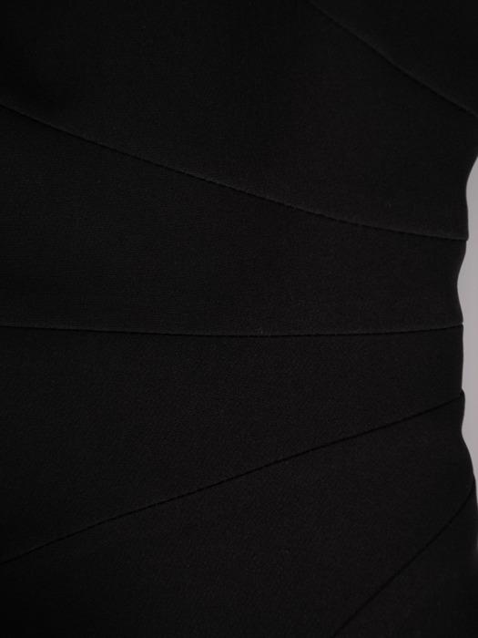 Prosta, czarna sukienka z krótkimi rękawami 22300