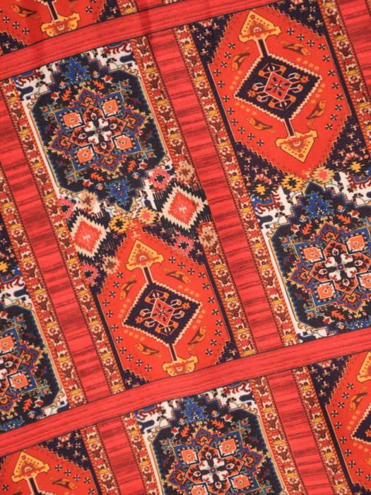 Prosta sukienka w orientalny wzór z modnymi chwostami 31177