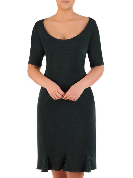 Prosta sukienka z dzianiny, kreacja z modną falbaną 22778
