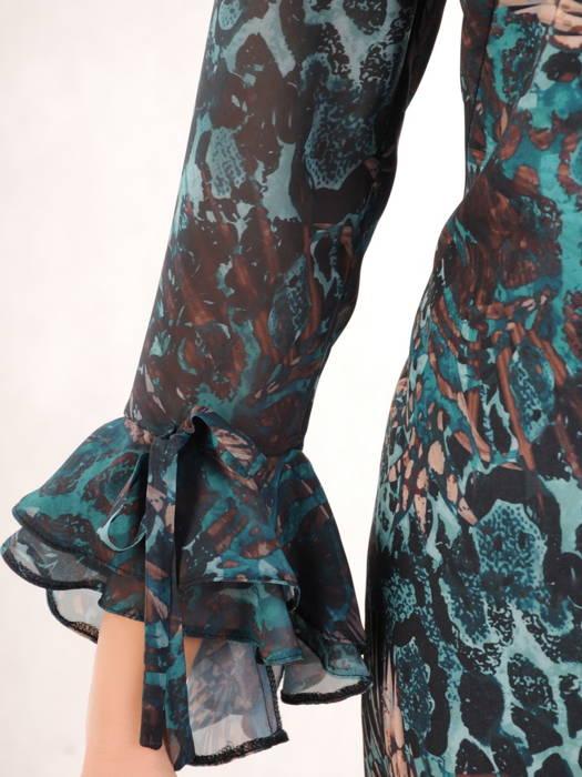 Prosta sukienka z finezyjnymi rękawami, kreacja na każdą okazję 31186