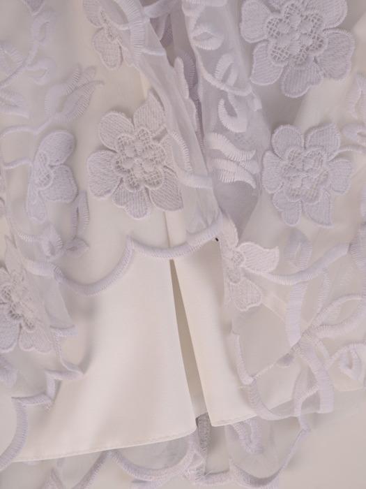 Prosta sukienka z kwiatowymi aplikacjami, elegancka kreacja z ozdobnej koronki 20288