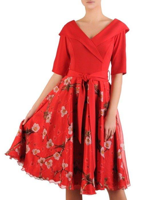 Rozkloszowana sukienka w kwiaty, kreacja z modnym kołnierzem 24260