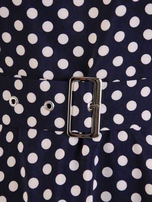Rozkloszowana sukienka z tkaniny, kreacja z paskiem w drobne groszki 23462