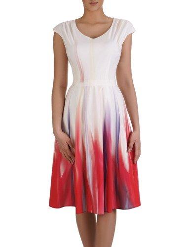 Rozkloszowana sukienka z wyszczuplającym nadrukiem 15402.