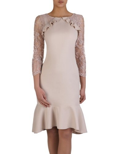 Sukienka damska 15247, elegancka kreacja z modnymi falbanami.
