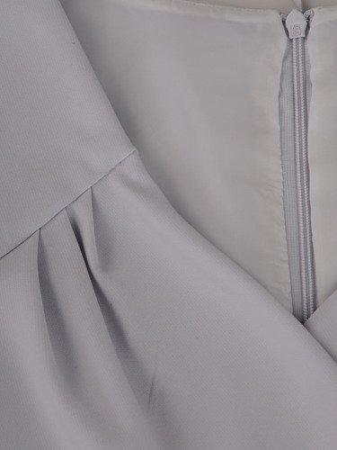 Sukienka damska 15680, kopertowa kreacja w fasonie maskującym brzuch i biodra.