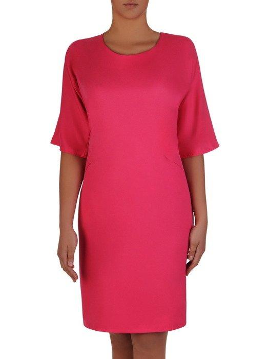 Sukienka damska 16670, amarantowa kreacja z kieszeniami.