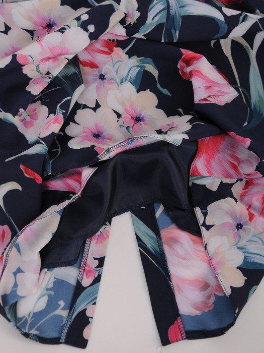 Sukienka damska 16987, wyszczuplajaca kreacja w kwiaty.