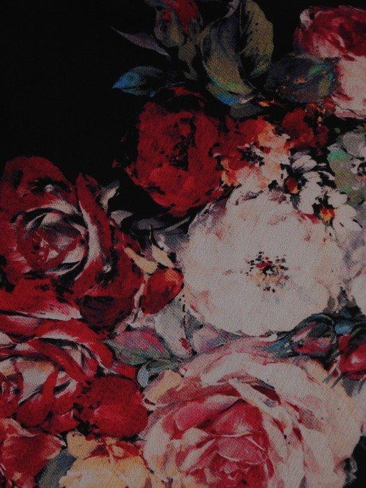 Sukienka damska 17527, zwiewna kreacja w kwiaty.