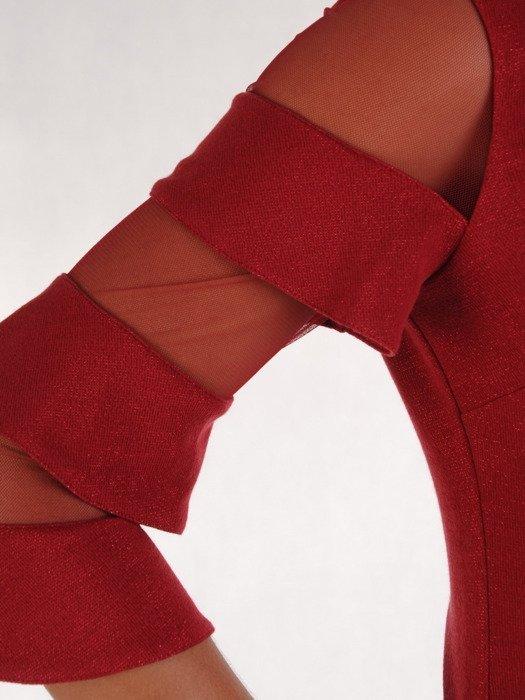 Sukienka damska 17790, bordowa kreacja z oryginalnymi rękawami.