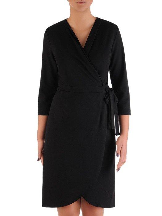Sukienka damska 18596, czarna kreacja w kopertowym fasonie.