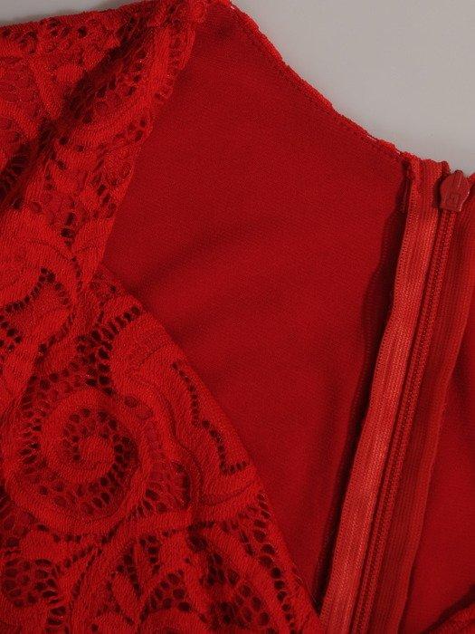 Sukienka damska 18633, kopertowa kreacja z koronki.