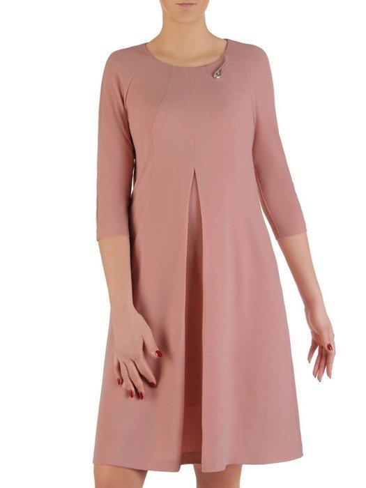Sukienka damska 19326, pudrowa kreacja w modnym fasonie.