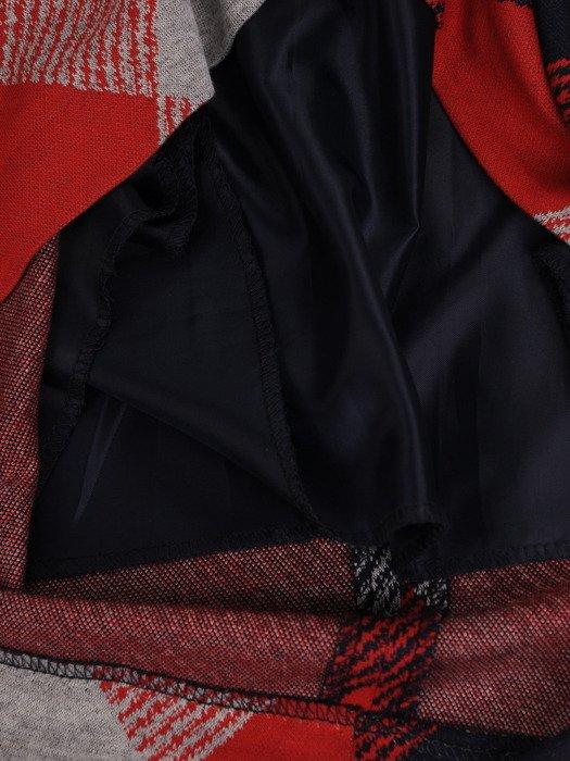 Sukienka damska Hieronima I, jesienna kreacja w luźnym fasonie z kieszeniami.