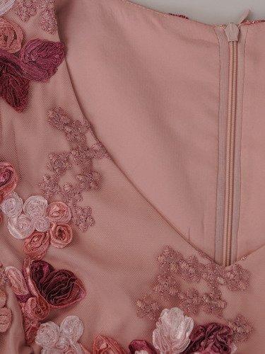 Sukienka damska Romana, elegancka kreacja z koronki.