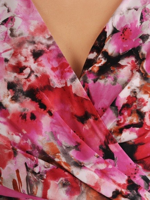 Sukienka damska, kopertowa kreacja w fasonie maskującym brzuch i biodra 26712