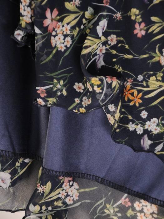 Sukienka koktajlowa, zwiewna kreacja w kwiaty 28947
