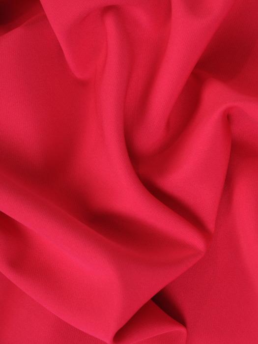 Sukienka kopertowa, malinowa kreacja z rozcięciem 21918